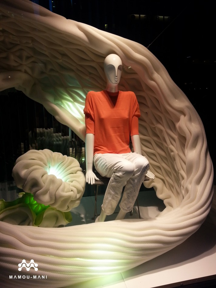 Karen Millen Street Store Display