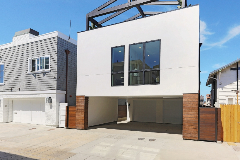 Foxlin-Balboa-Duplex-Newport-Beach-View-of-Rear-820x546.jpg